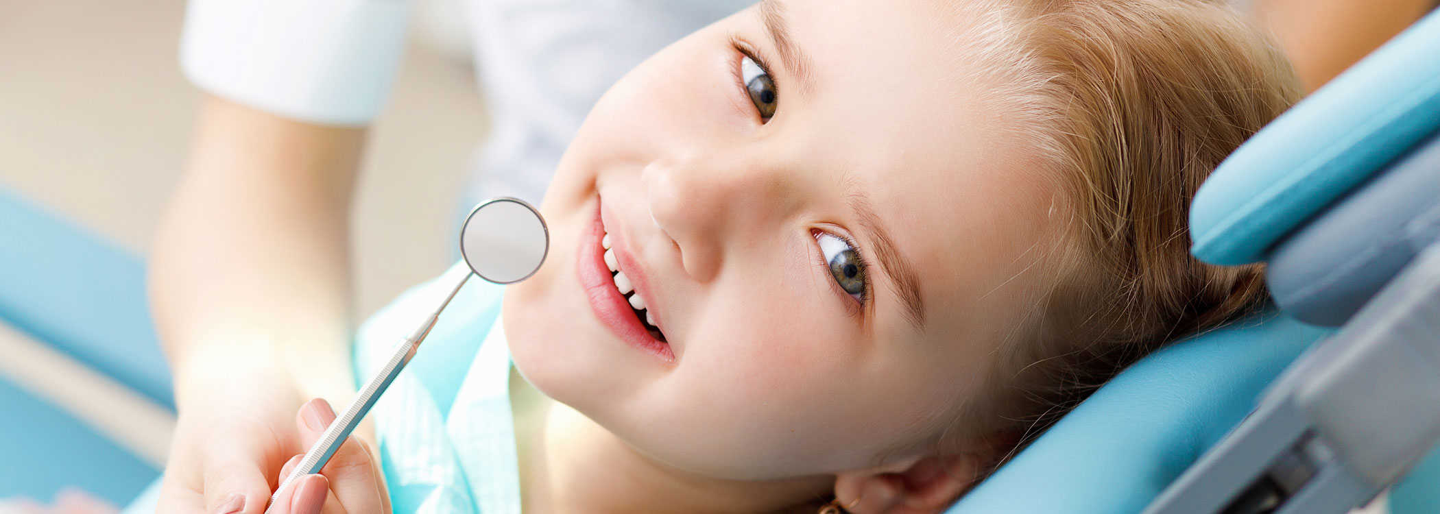 Child with Pediatric dentist - Country Dental Clinics